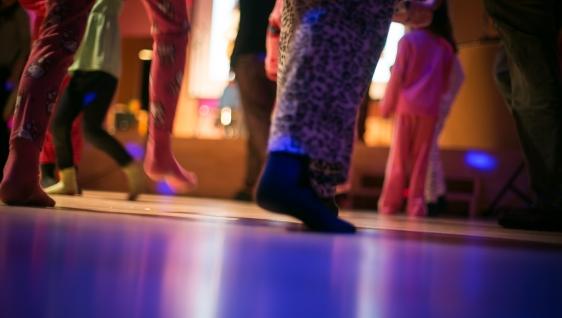 Bal en pyjama: danse et re-danse